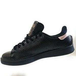 Women's Adidas Stan Smith Snake Print Shoes